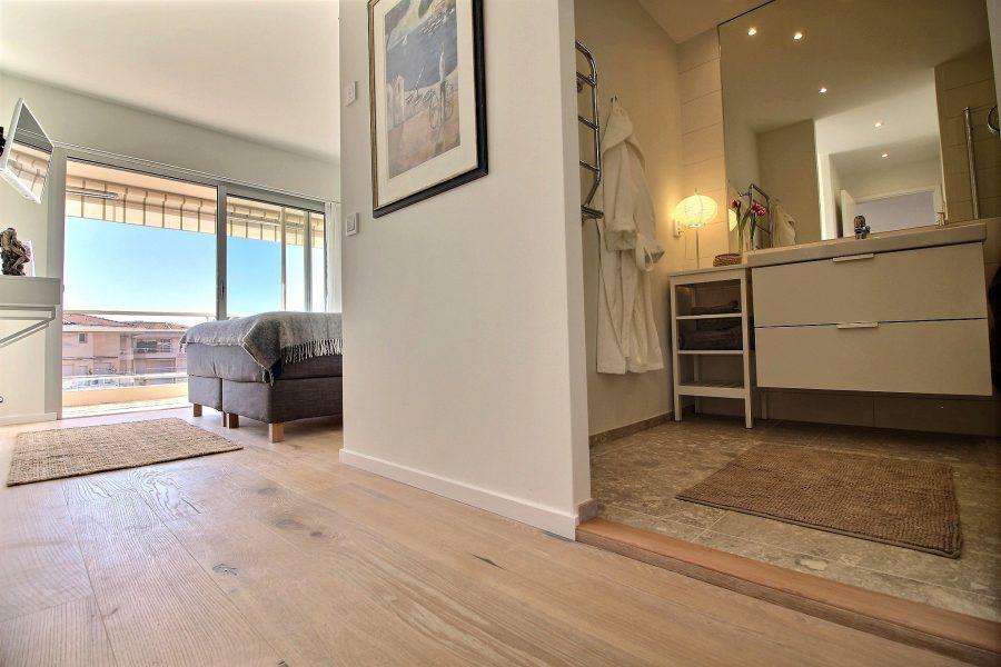Nyrenoverad lägenhet i Cannes Basse Californie
