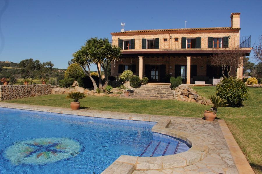 Seaviews, a rustic country home,  large pool.