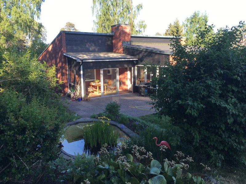 Rymlig och modern enplansvilla i Segeltorp