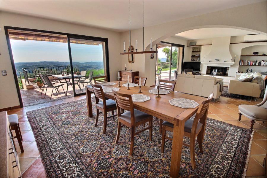 Villa med pool och panoramautsikt i Grasse