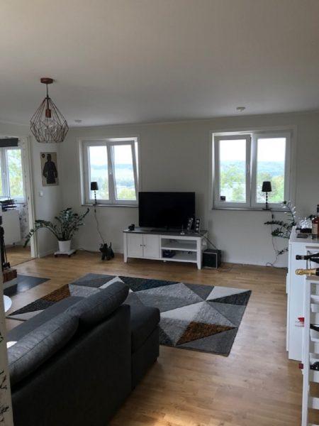 Nyrenoverad villa i Tullinge med fantastisk utsikt