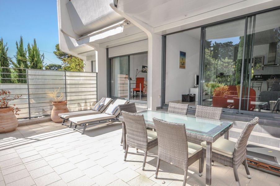 Trevlig lägenhet med terrass - Cannes Oxford