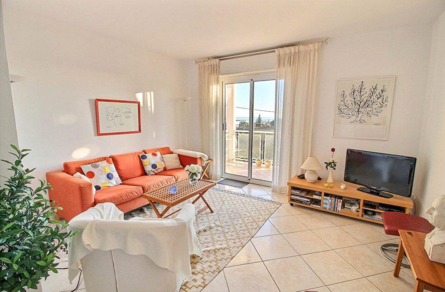 Fin lägenhet med havsutsikt