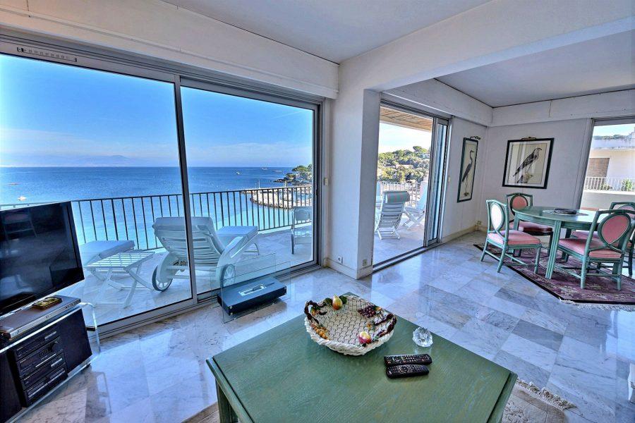 Enastående lägenhet med havsutsikt