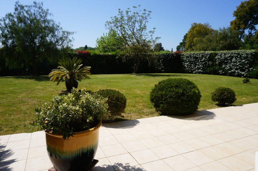 Vacker villa med terrass och privat trädgård - Frejus
