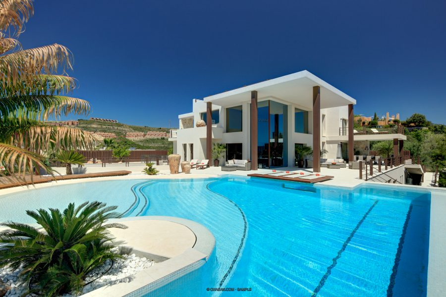 Marbella: Luxury designer Golf home, with fabulous sea views