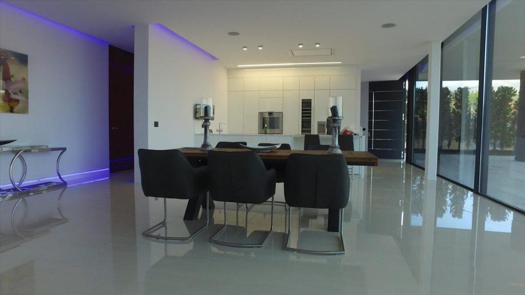 Marbella: Luxury 5 bed Villa in Golf Valley