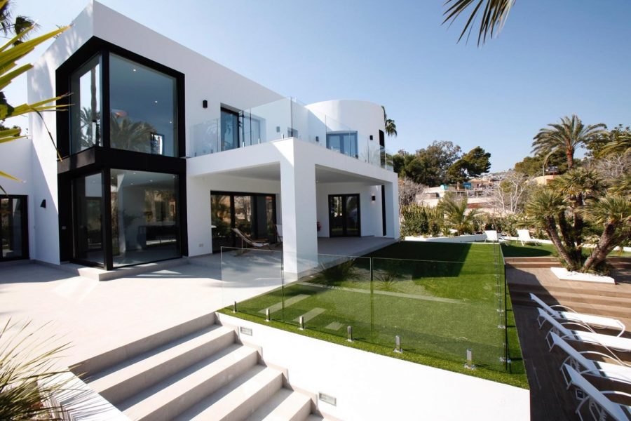 Moraira: Amazing luxury modern villa on the beach