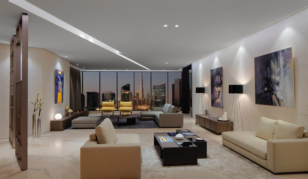Luxury Full Floor Penthouse On The Canal