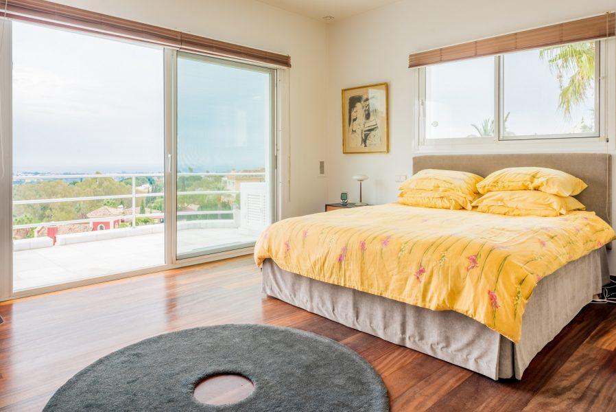 Marbella: Sea view White Marble designer Villa