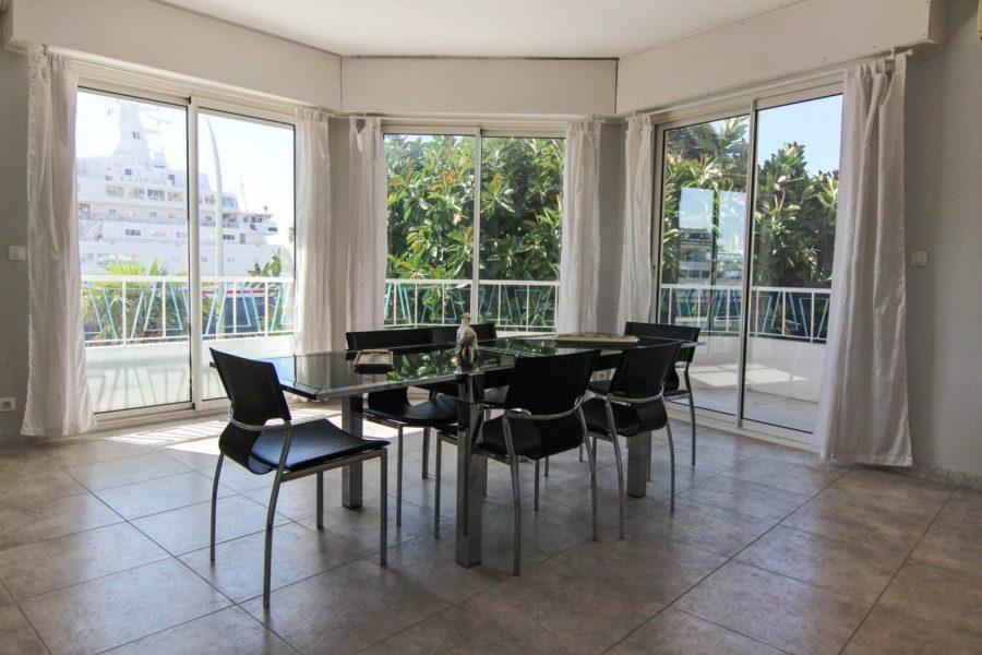 Rare 4 pièces avec vue panoramique mer port de Nice