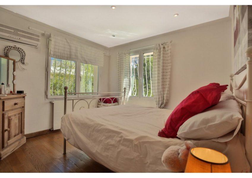 Villa 5 rum med separat studio - Antibes