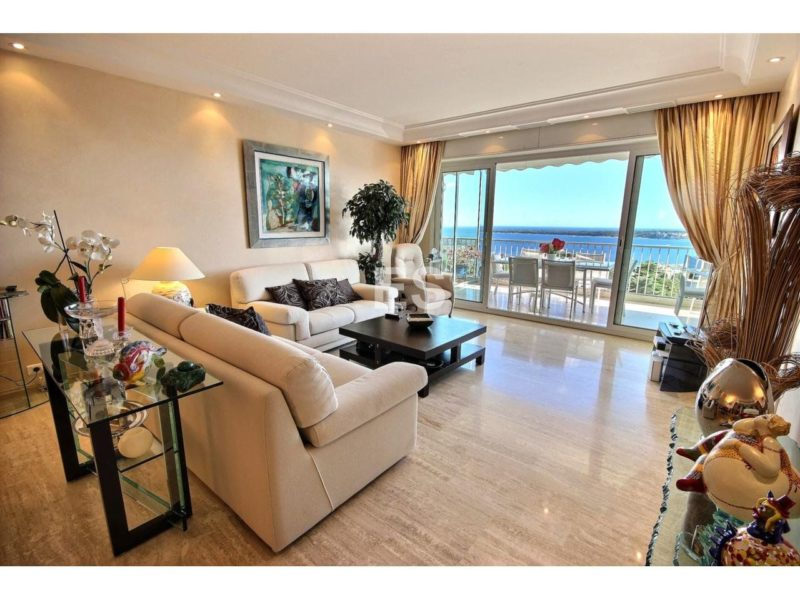 Luxurious flat for sale in Cannes Californie with sea view