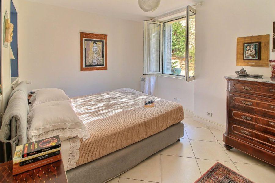 Vacker lägenhet med trädgård i villa - Menton
