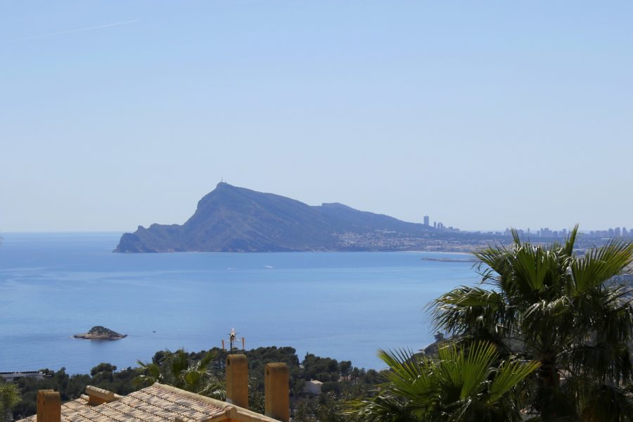 Altea Hills: Luxury Sea view Villa near Golf.