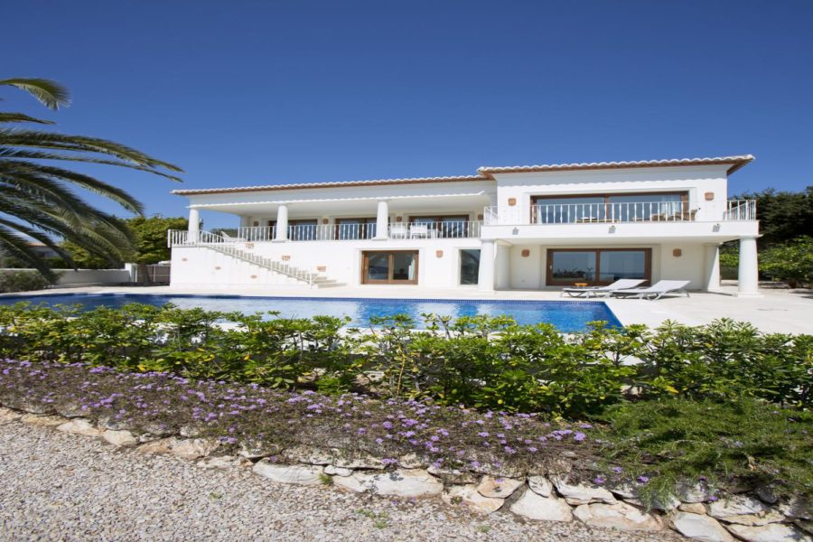 Moraira: Front-line Sea view 4 bedroom villa