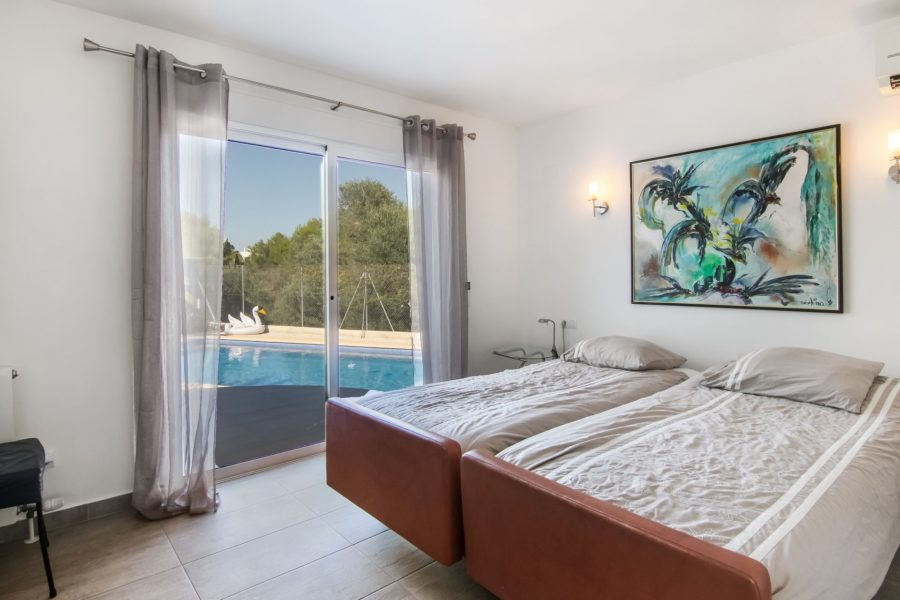 Blue-Square real estate agency sale villa in Spain