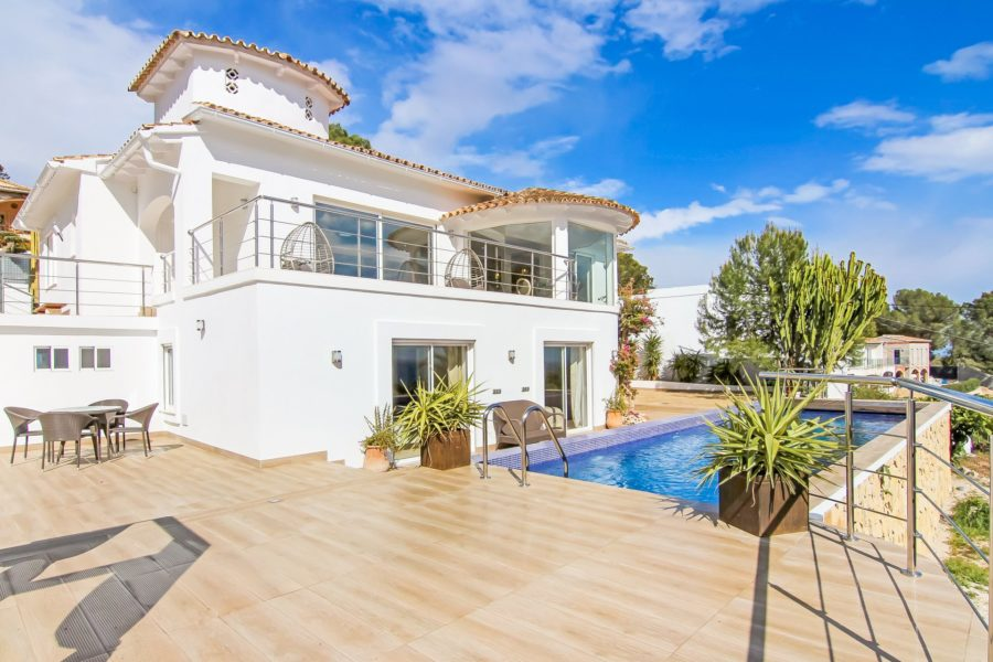 "Luxury villa with spectacular views to the sea and ""Peñón de Ifach"" rock"