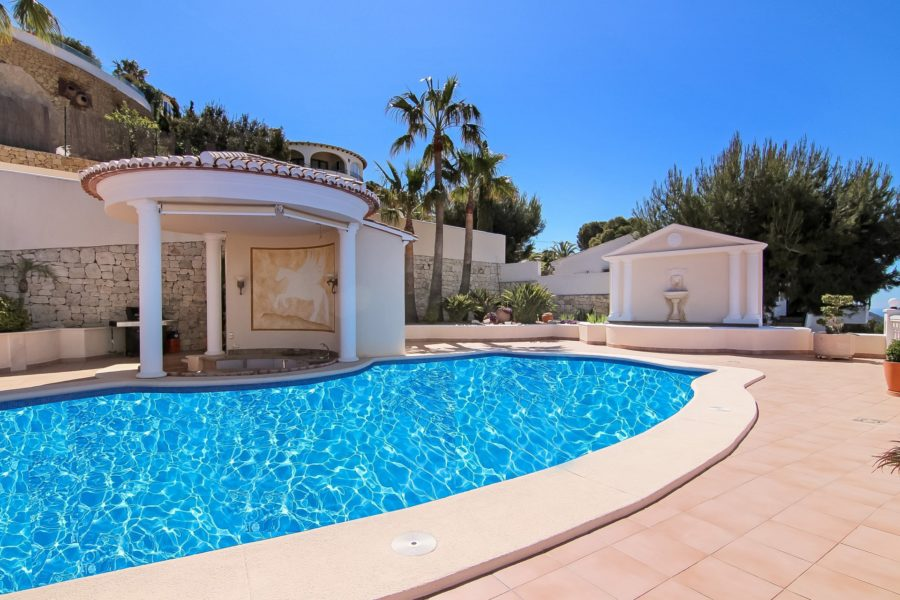 Magnificent villa with panoramic sea views for sale in Moraira