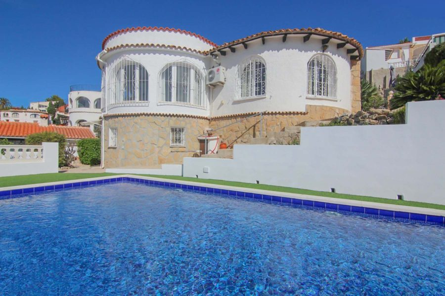 Renovated villa for sale in Benissa