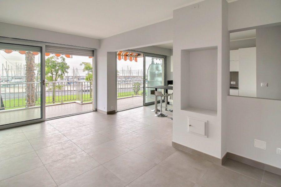 Vackert renoverad 3 rums lägenhet med både terrass samt balk
