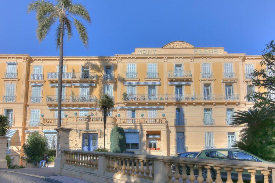 3:a med stor terrass - Menton Riviera